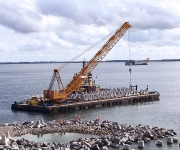 76m barge - MB251 @work